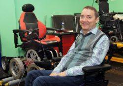 Как инвалид-колясочник изменил город
