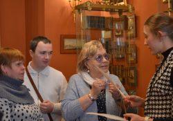 МОСГОРТУР организовал инклюзивное занятие в Дарвиновском музее для Всероссийского общества слепых
