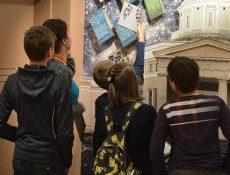 Школьники из России и других стран смогут все лето бесплатно посещать московские музеи