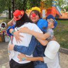 Парад принцесс и сказка от больничных клоунов: как ВерюВЧудовцы отметили День защиты детей
