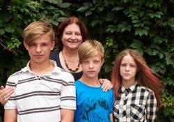 Честный разговор с Биргит фон Эзен, приемной мамой троих подростков